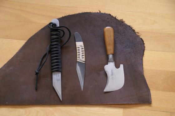 Fleischseite mit Schneidwerkzeugen: Kneipp/Arbelos, Japanmesser, ¼ Mond